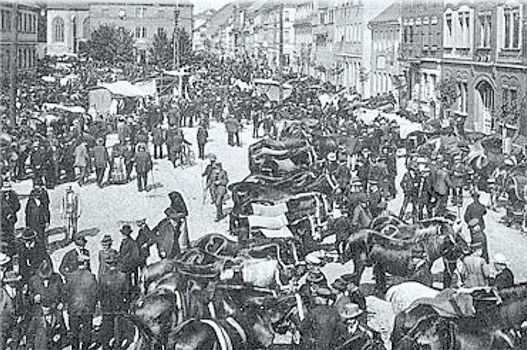 Pferdemarkt in der Stadt