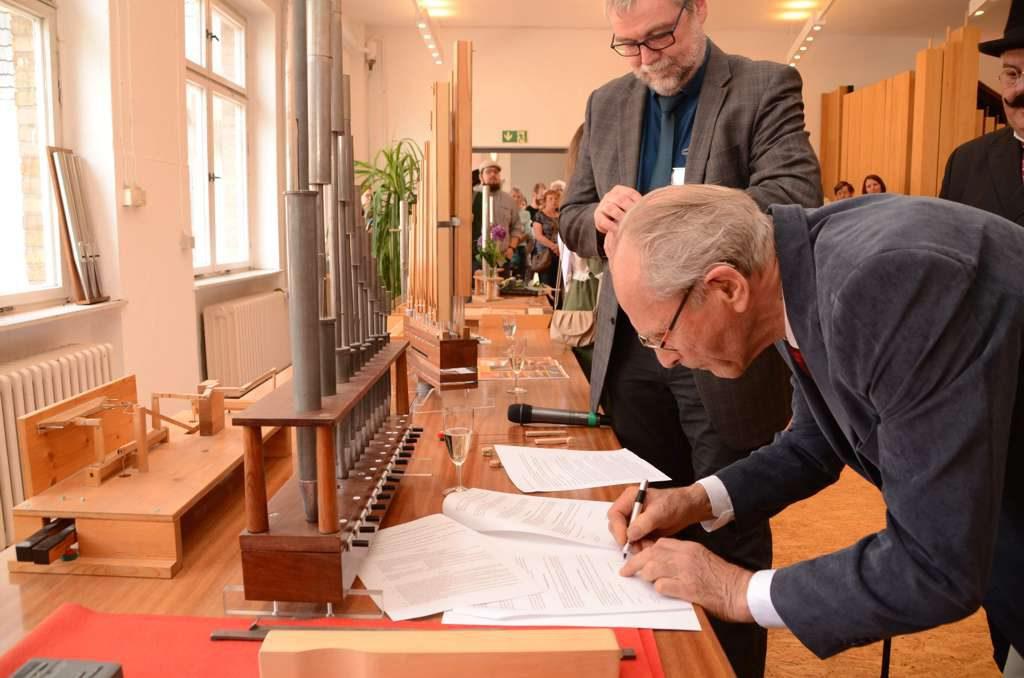 Orgelakademie Kooperationsvertrag wird unterzeichnet